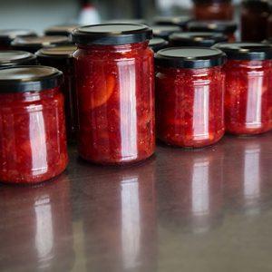 Confiture de fraises-infusion hibiscus